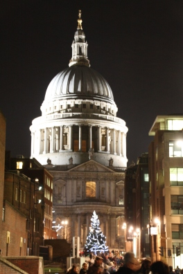 St Paul's Cathedral with quite a large Christmas tree dwarfed in front of it!