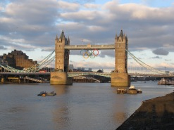 Another well known monument... Tower Bridge, London... pictured here with the Olympic rings hanging from the middle!